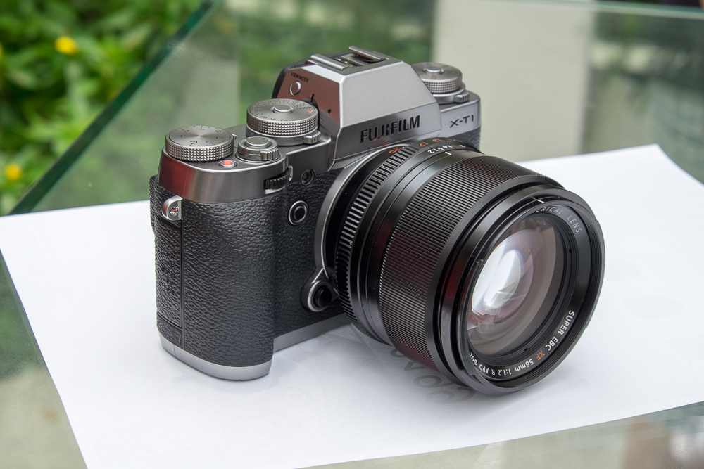 Fujifilm X-T1 Graphite Edition with XF 56mm f/1.2APD