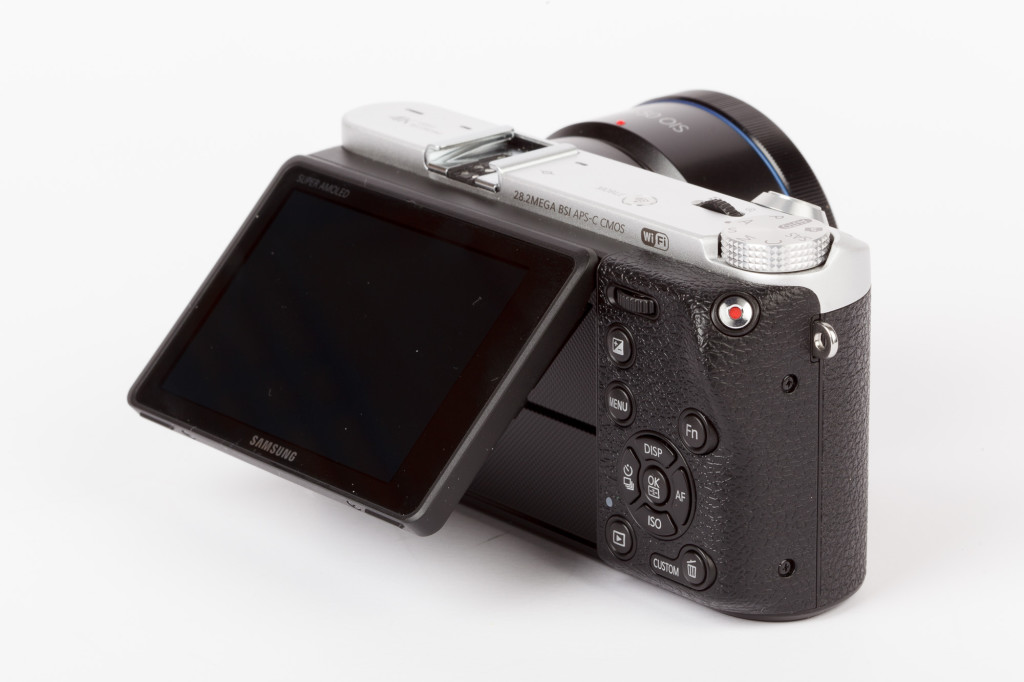 Samsung NX500 Tilting Screen