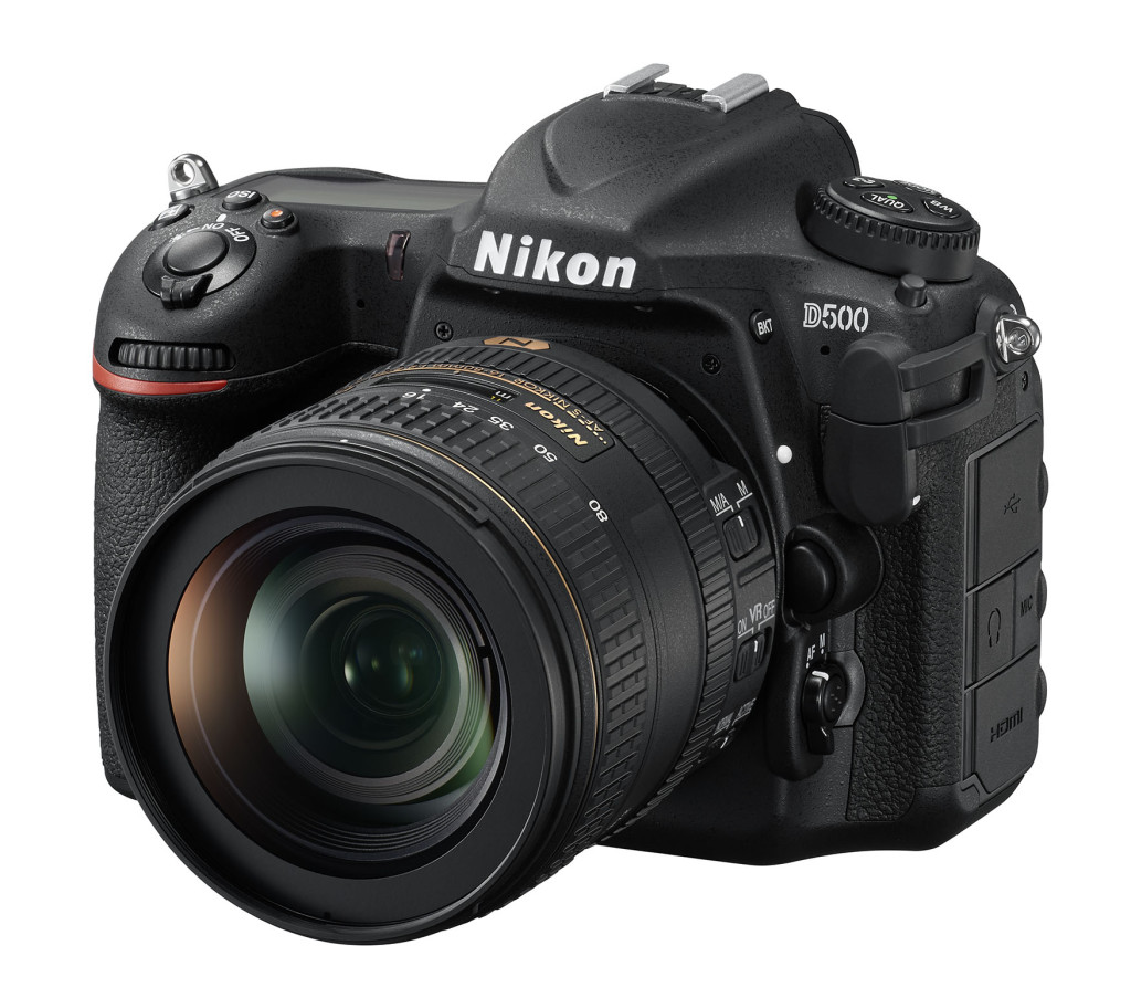 Nikon D500 with AF-S 16-80mm